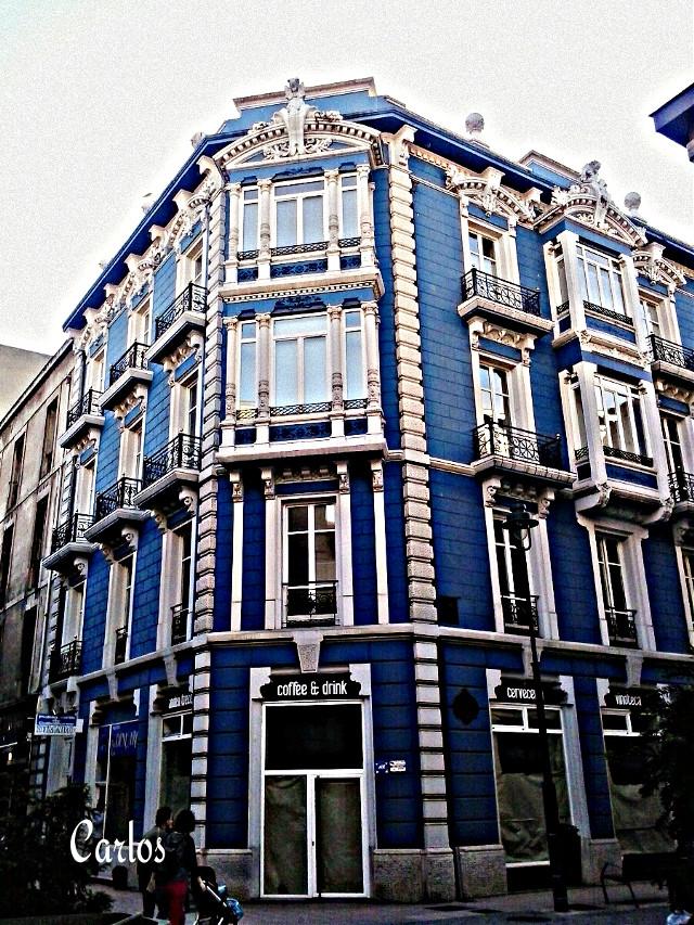 """""""La casa azul"""" Villa de Aviles(Asturias). Buenas tardes."""